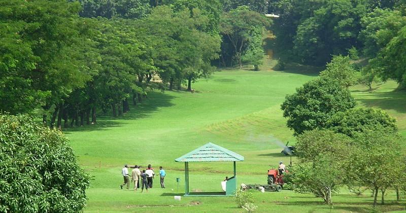 800px-Batiary_Golf_Club_Area_by_Azim_Al_Jabber_8