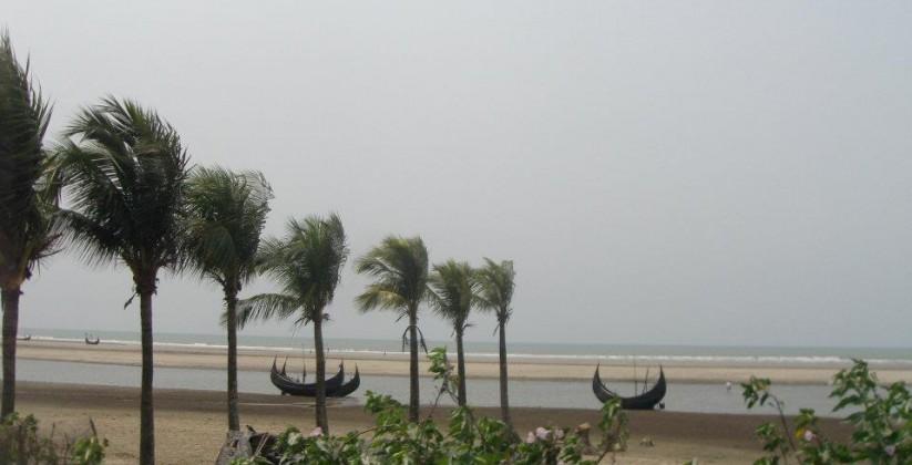 Beach_View_During_Main_Driveway_of_Inani_beach_.jpg
