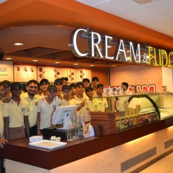 Cream_&_Fudge_Store