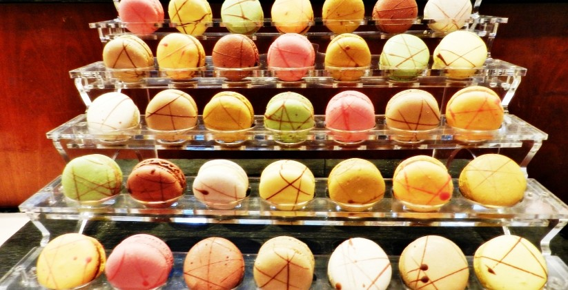 Spread-Of-Macarons-02