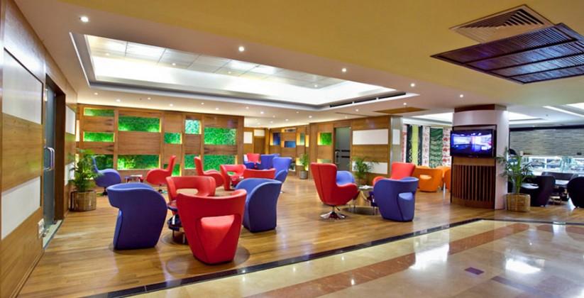 peninsula-lobby